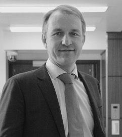 Photo of Dr Fergus Robertson